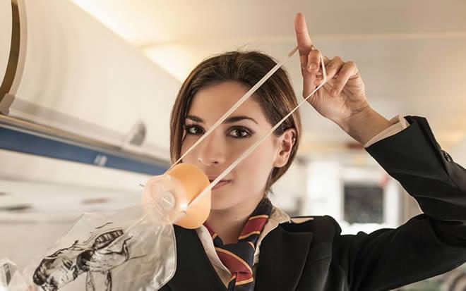 Comissário de Voo Aeromoça