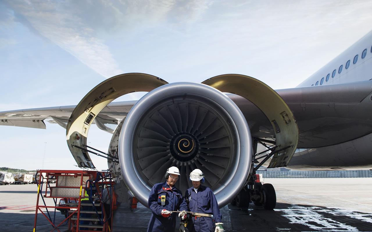 Escola de Aviação Curso de Mecânico de Manutenção Aeronáutica